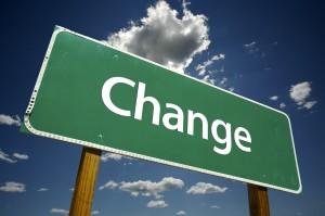change roadsign 300x199 آیا من بر تغییر مسلط می شوم یا تغییر بر من مسلط می یابد؟